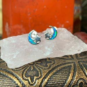 🌹NWT Sterling/Zuni opal crescent moon earrings